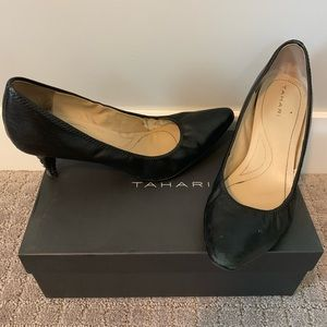 Black Leather Tahari Brett Pumps, Size 8.5